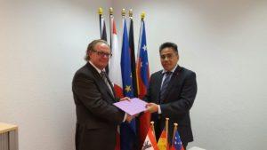 Honorary Consul Helmut Morent and H.E. Fatumanava Dr. Pa'olelei Luteru,